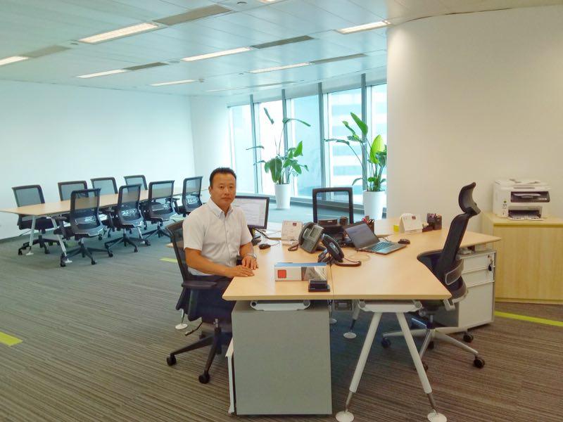 上海事务所所长朴范柱在事务所