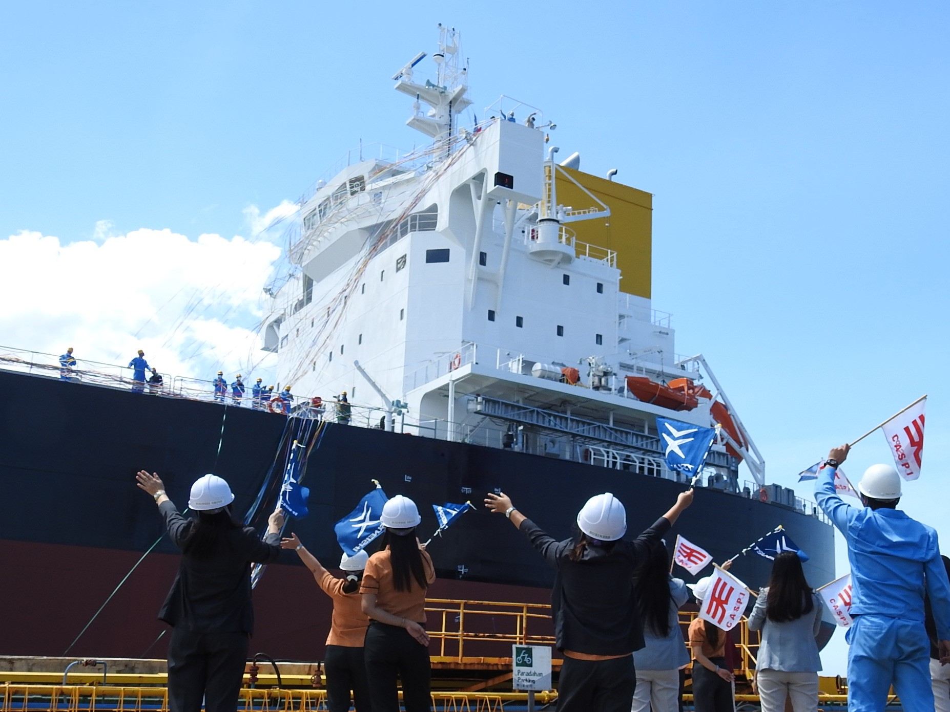 Sending off the completed ship