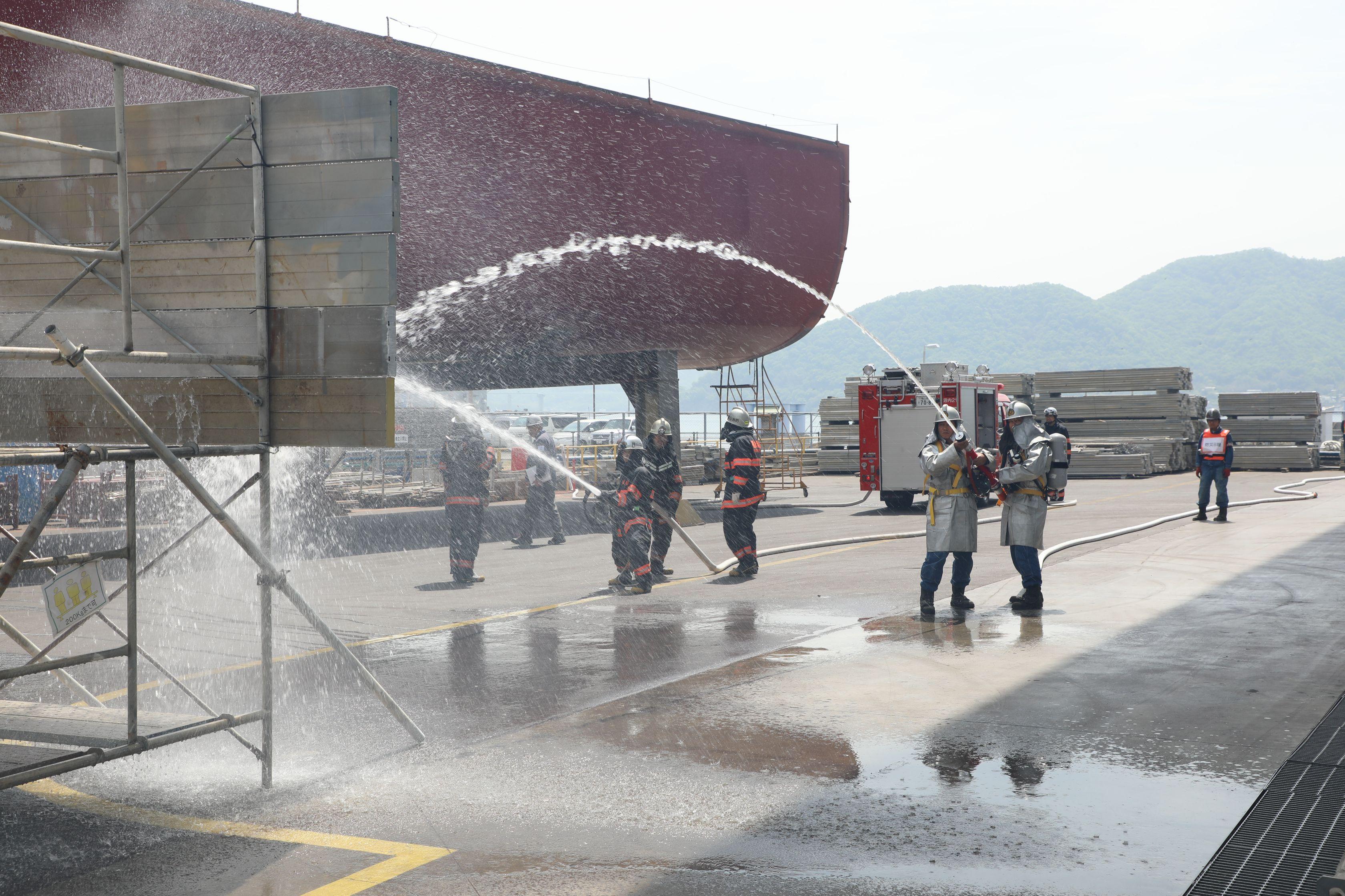 ブラスト塗装工場での爆発火災事故を想定した訓練を実施
